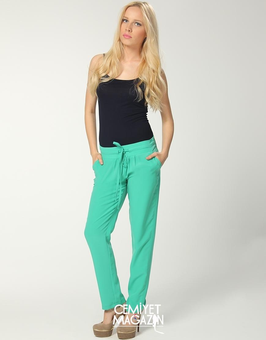 Renkli pantolonlar ile kombin